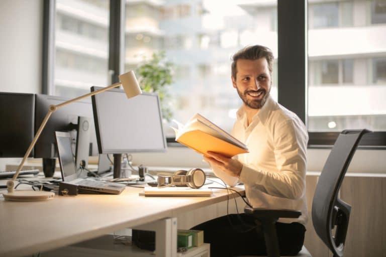 An employee working at a digital marketing agency in Orlando, FL